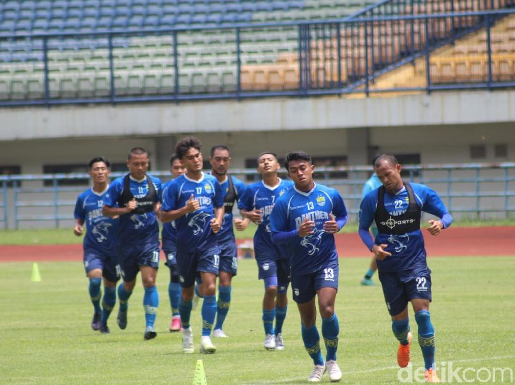 Komentar Persib Bandung Usai Kalah dari PSCS di Laga Uji Coba