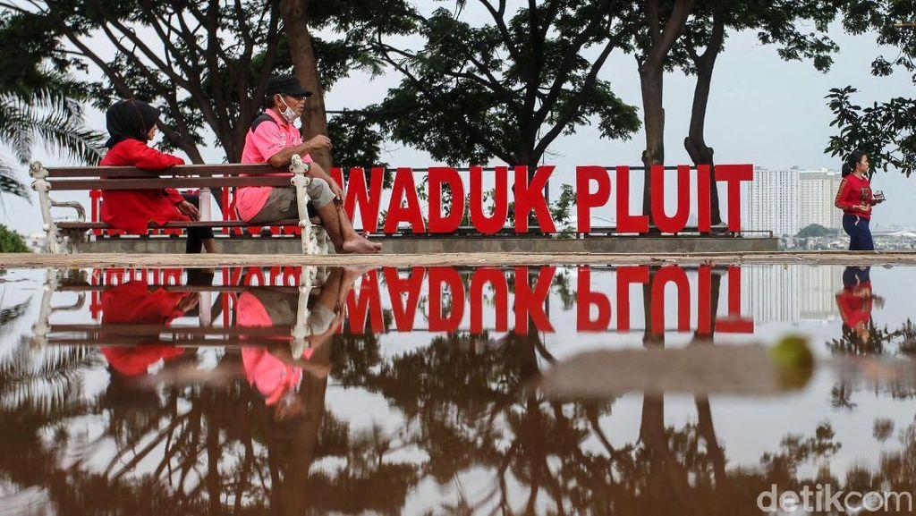 Menghabiskan Sore di Taman Kota Waduk Pluit