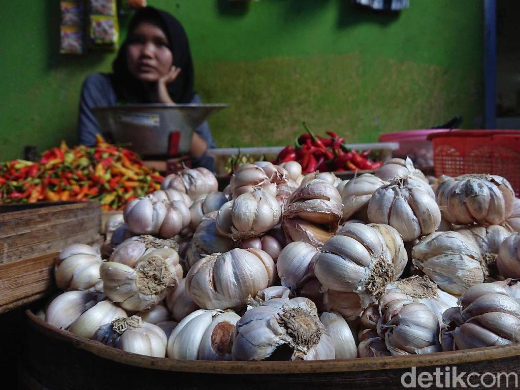 Bawang Putih dan Beras Sumbang Inflasi 0,31%