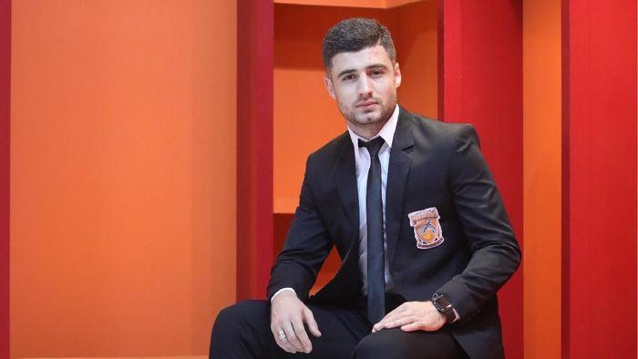 Nuriddin Davronov resmi berseragam Borneo FC.