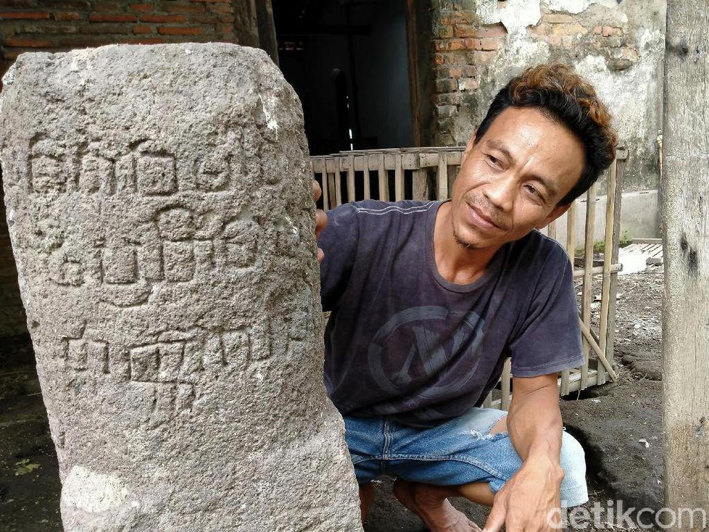 Ini Arti Tulisan di Lingga Abad 9 yang Kini Belepotan Tahi Ayam
