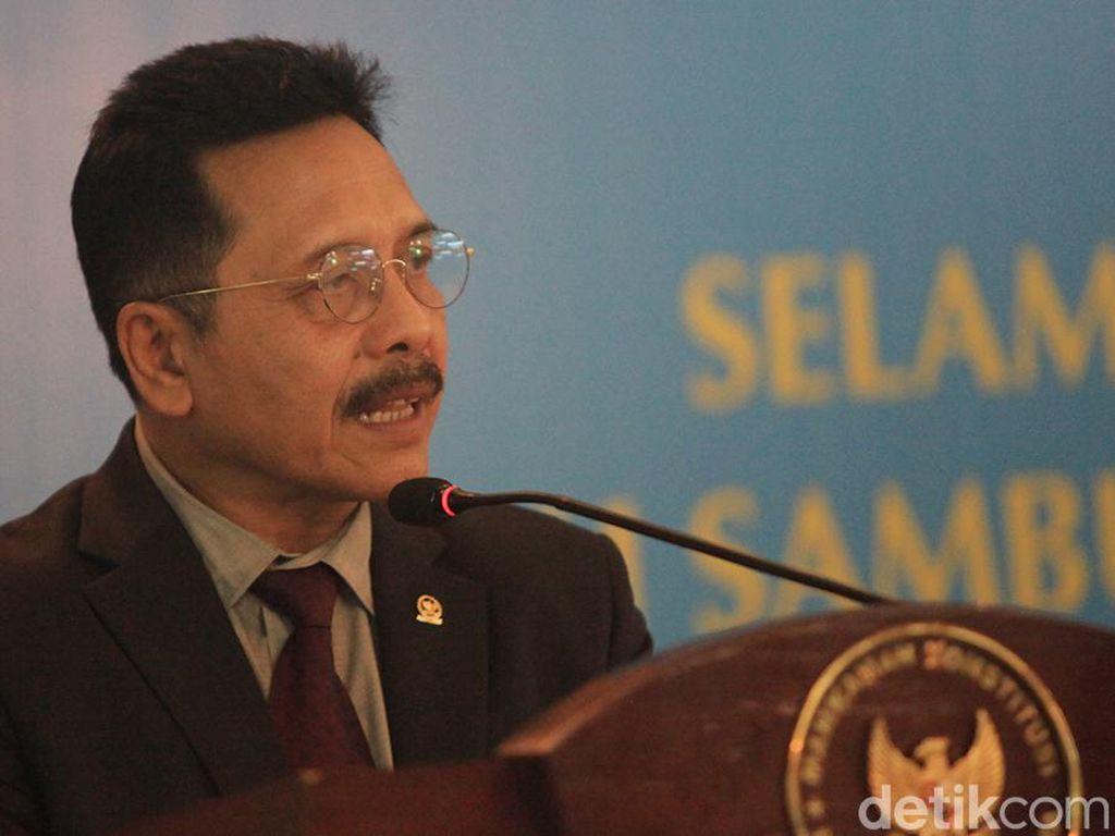 Mantan Hakim MK Ini Sebut Ada Demoralisasi Politik dalam Revisi UU MK