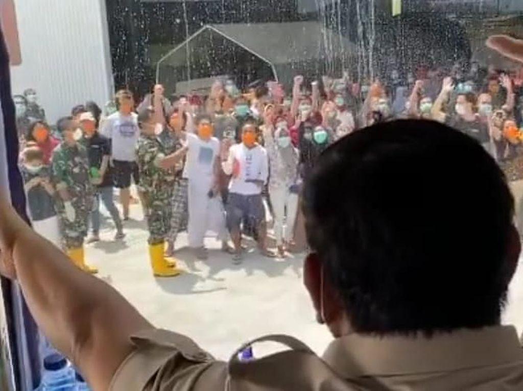 Sesal Prabowo dan Bangga WNI yang Diobservasi di Natuna