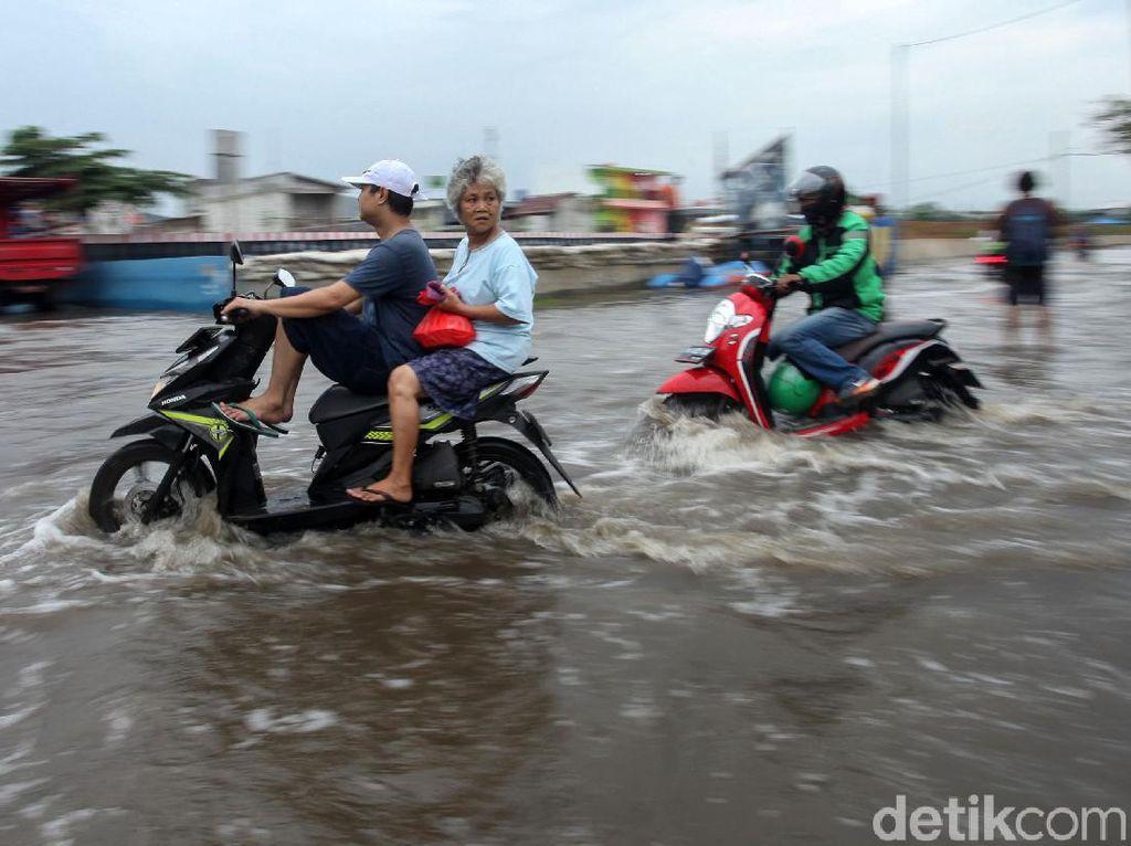 Ini Titik-titik Jalanan DKI Jakarta yang Tergenang Banjir