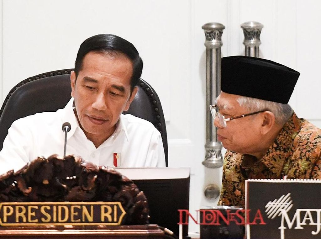 Menanti Tanda-tanda Reshuffle Kabinet dari Istana