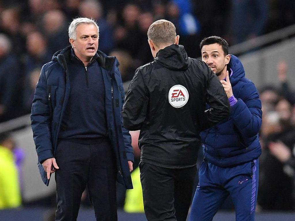 Video Protes Viral, Mourinho: Lucu Sih, tapi...