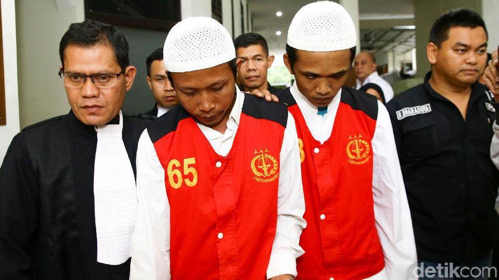 Dua Eksekutor Pembunuh Pupung-Dana Tertunduk Lesu di Persidangan