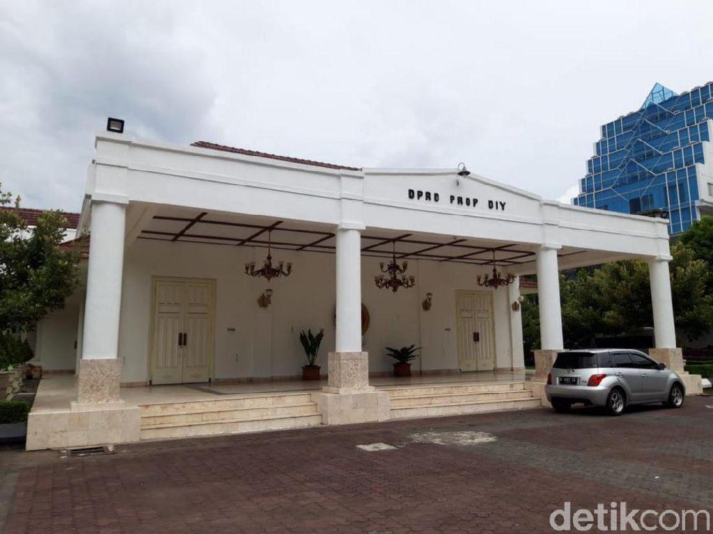 Sultan Belum Tetapkan KLB Corona di Yogya, DPRD DIY: Kita Dukung