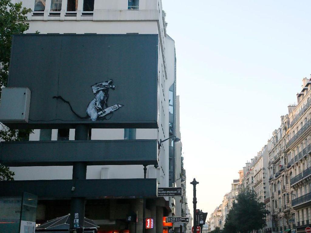 Lukisan Banksy Dicuri di Paris, Dua Pria Akhirnya Ditangkap Polisi