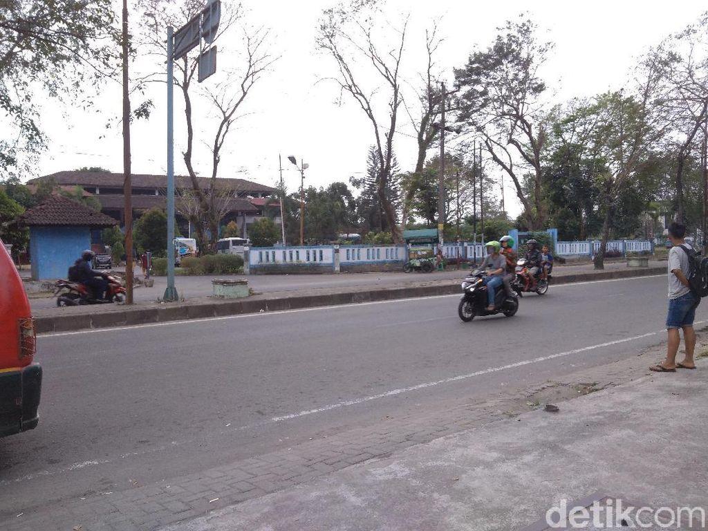 Sopir Angkot Tolak Rencana Bus Anti-Lampu Merah di Medan