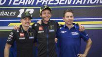 Rossi-Lorenzo Setim di MotoGP 2021? Ayah Rossi Bilang Ide Bagus!