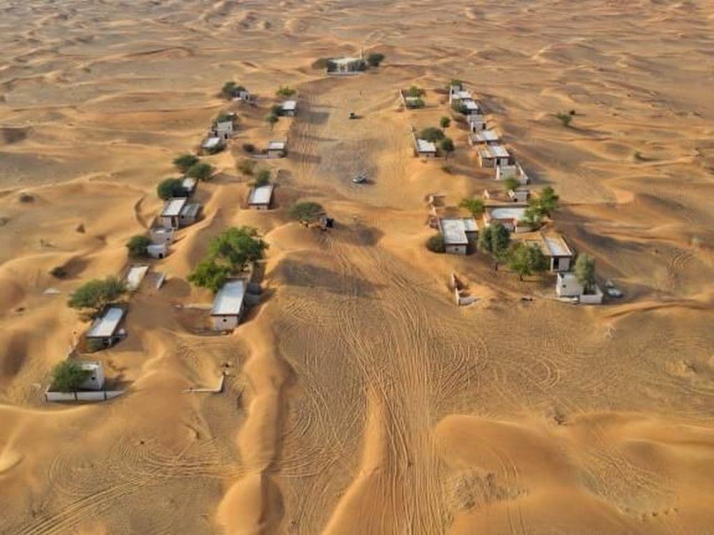 Setelah Terkubur Pasir, Desa Ini Malah Menawan