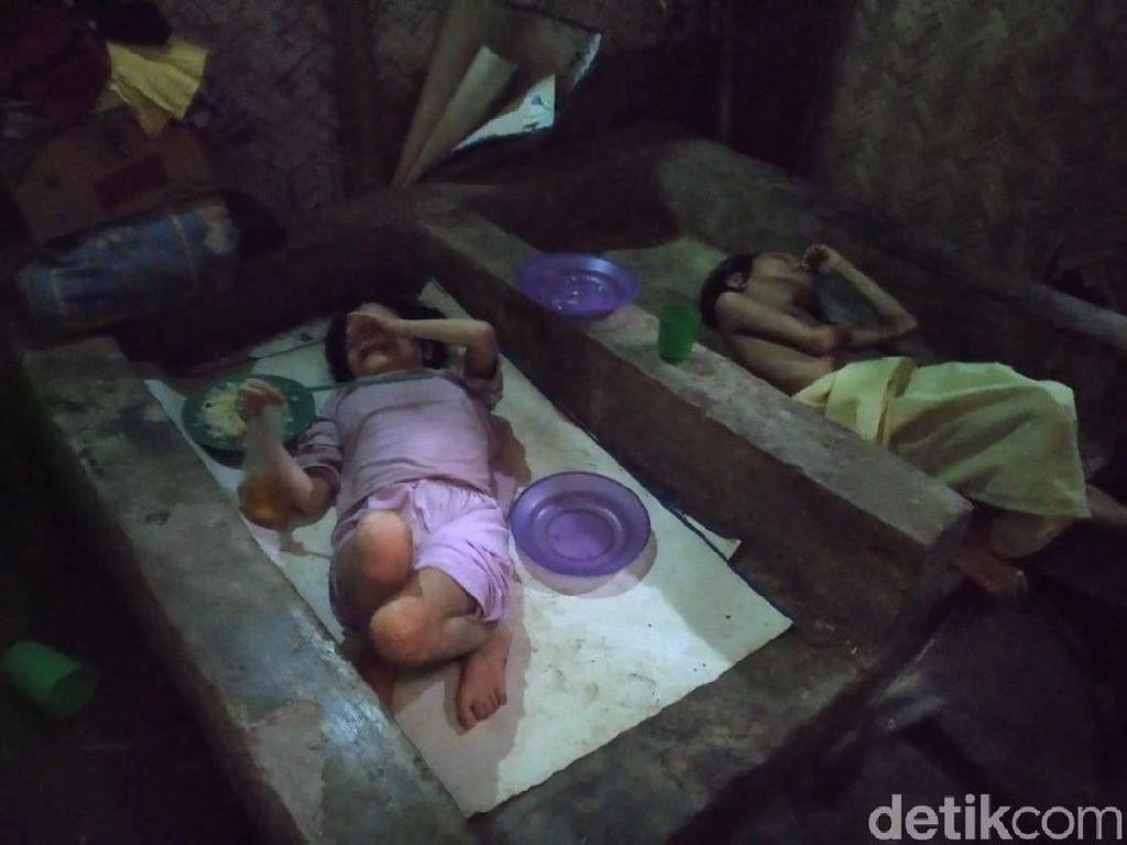 Bantuan Sembako untuk Kakak-Adik yang Buta dan Lumpuh Disalurkan