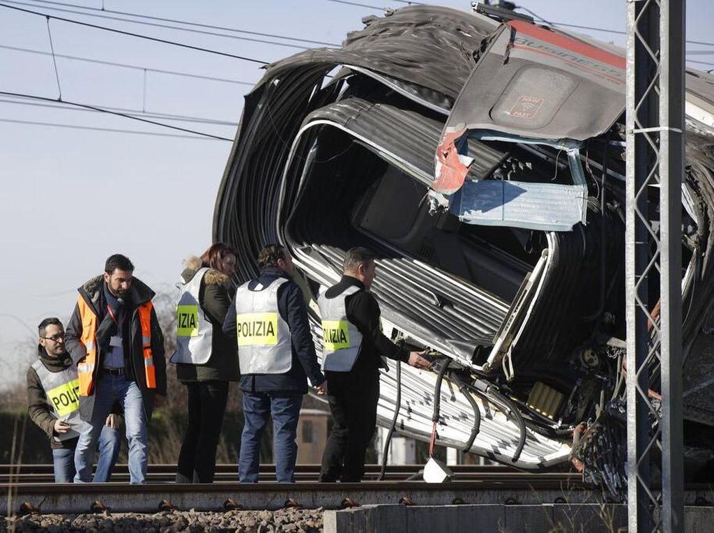 Video Kereta Berkecepatan Tinggi di Italia Anjlok, 2 Orang Tewas