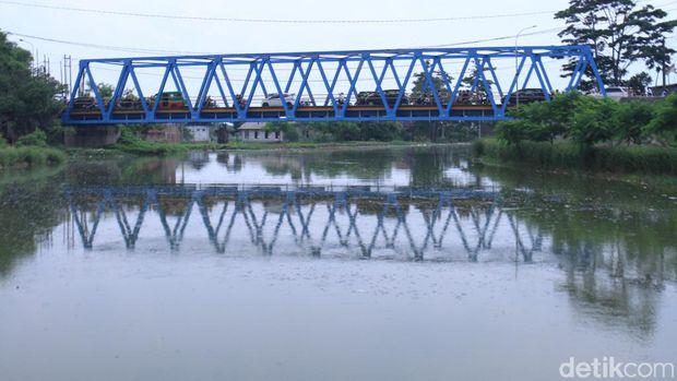 Kondisi Sungai Citarum lama sudah bebas dari sampah sesuai yang diposting gubernur, Sabtu (8/2/2020)