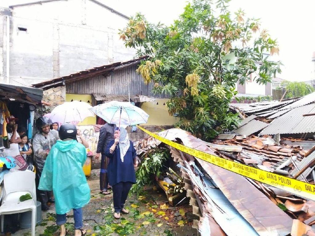 Kosan 3 Lantai di Mampang yang Ambruk Berusia 5 Tahun dan Tidak Ada IMB
