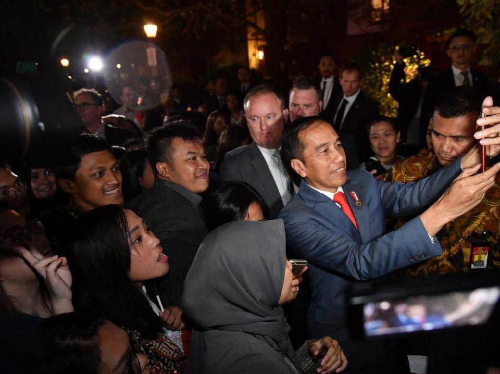 Ratusan WNI Sambut Kedatangan Jokowi di Canberra