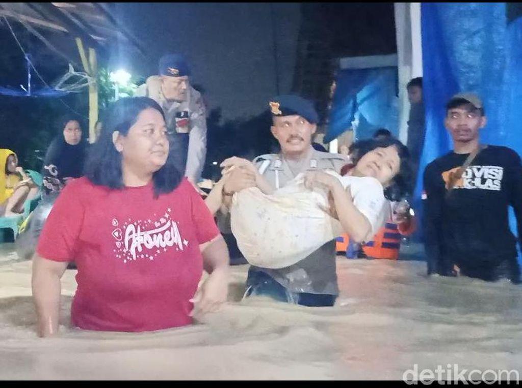 Diguyur Hujan Berjam-jam, Empat Kecamatan di Cirebon Banjir