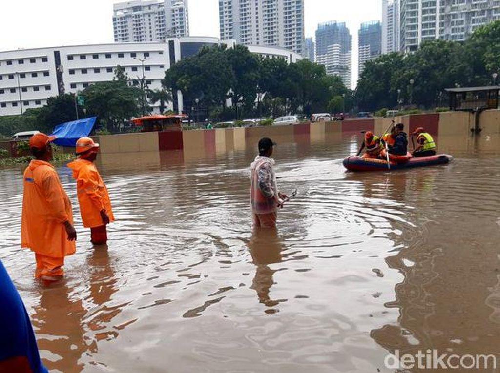 Banjir Jakarta, Underpass Kemayoran Terendam Air Hingga 7 Meter