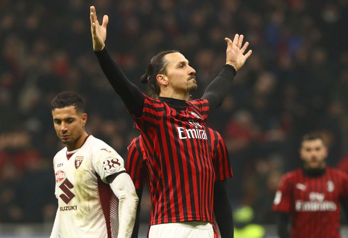 MILAN, ITALY - JANUARY 28:  Zlatan Ibrahimovic of AC Milan celebrates his goal during the Coppa Italia Quarter Final match between AC Milan and Torino at San Siro on January 28, 2020 in Milan, Italy.  (Photo by Marco Luzzani/Getty Images)