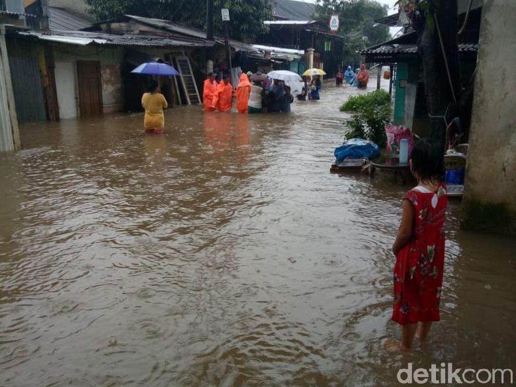 Banjir DKI Rendam 62 Kelurahan-2.399 Warga Mengungsi, Ini Data Curah Hujan