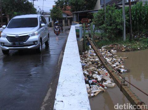 Kondisi Sungai Cikeruh, Tegaluar, Sabtu (8/2/2020)