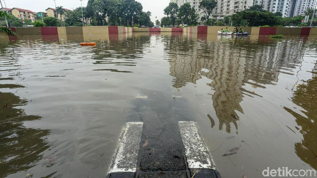 Duh... Underpass Kemayoran Kebanjiran Lagi