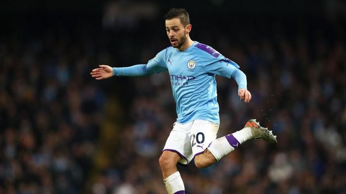 MANCHESTER, ENGLAND - DECEMBER 21: Bernardo Silva of Manchester City in action during the Premier League match between Manchester City and Leicester City at Etihad Stadium on December 21, 2019 in Manchester, United Kingdom. (Photo by Clive Brunskill/Getty Images)