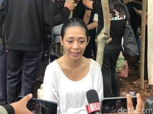 Ziarah ke Makam Anak saat Natal 2020, Karen Pooroe Harapkan Keadilan