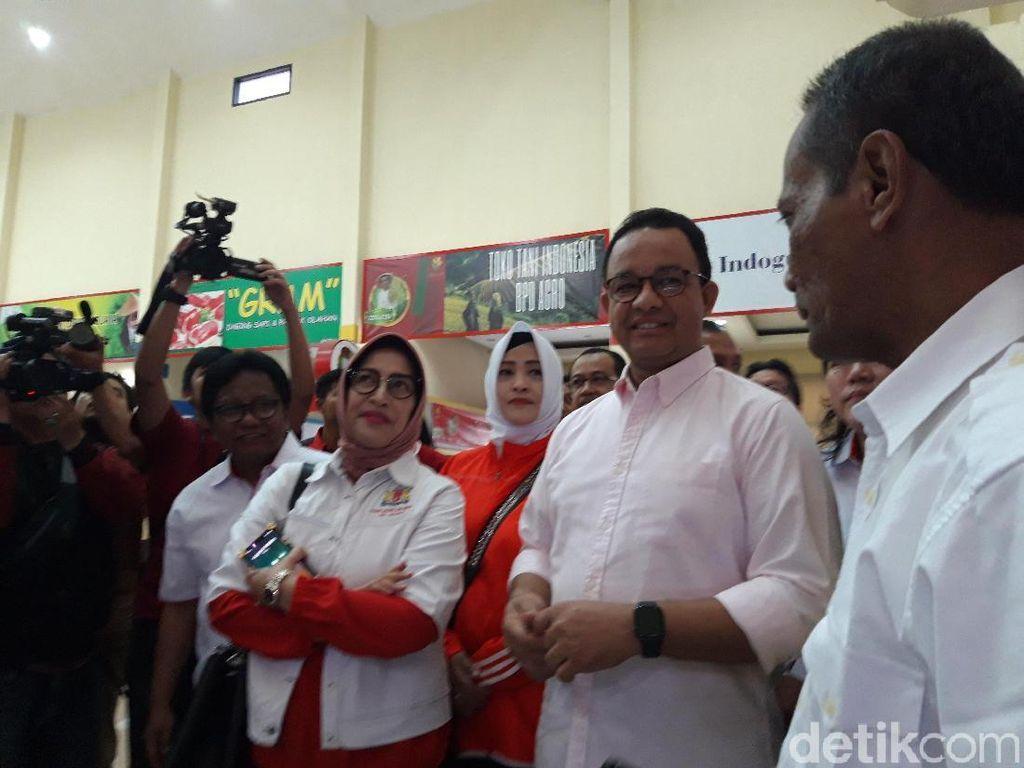 Anies Resmikan Operasi Pasar, Jaga Harga Bawang Putih-Cabai Stabil