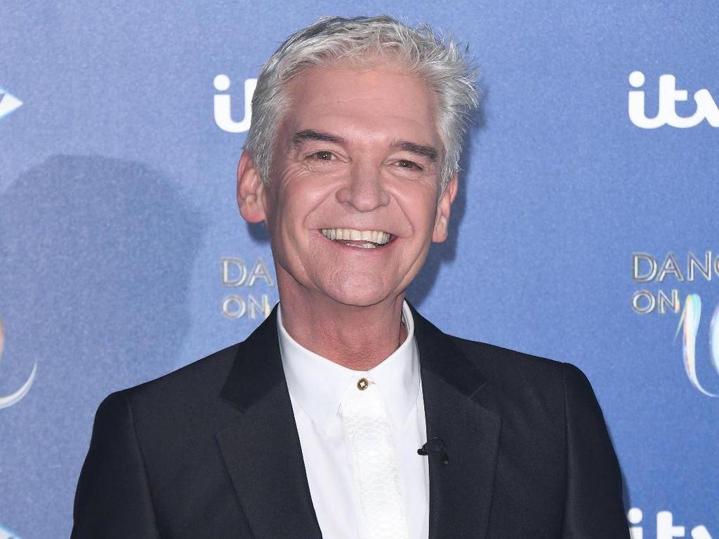 Presenter Inggris Mengaku Gay di Acara TV Setelah 27 Tahun Menikah