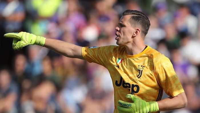 FLORENCE, ITALY - SEPTEMBER 14: Wojciech Szczesny of Juventus FC in action during the Serie A match between ACF Fiorentina and Juventus at Stadio Artemio Franchi on September 14, 2019 in Florence, Italy.  (Photo by Gabriele Maltinti/Getty Images)