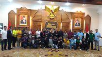 Sambut Piala Gubernur Jatim dan FIFA Word Cup U-20, Suporter Deklarasi Damai