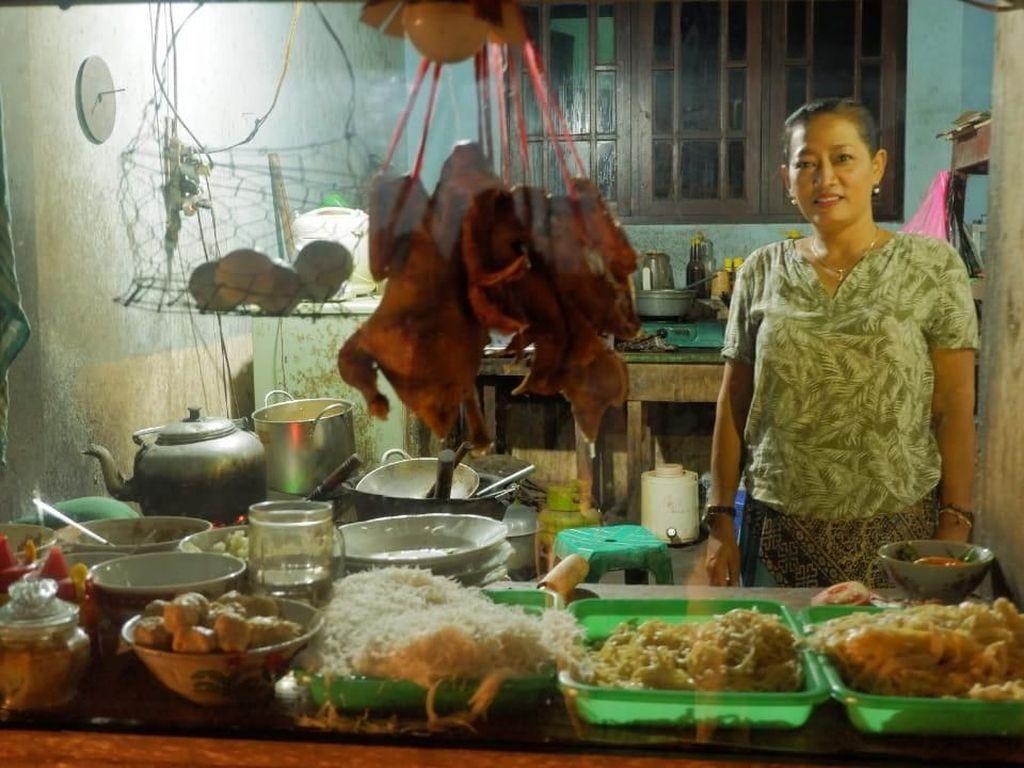 Bu Tumini Wafat, Ini Kisah Sukses Mie Ayam Tumini yang Legendaris