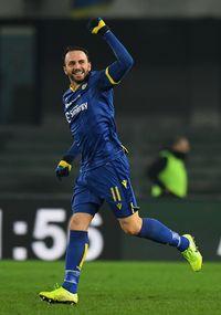 Giampaolo Pazzini sukses mengeksekusi penalti