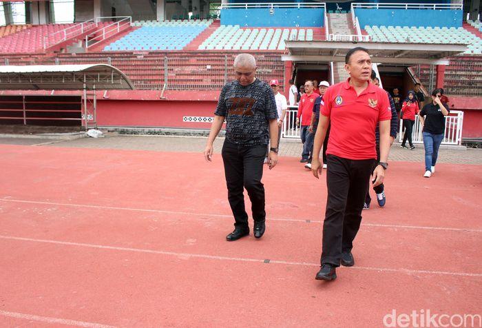 Ketum PSSI Mochamad Iriawan meninjau Stadion Gelora Delta yang rencana dipakai sebagai stadion pendamping venue Piala Dunia U-20 2021. Hasilnya memuaskan.