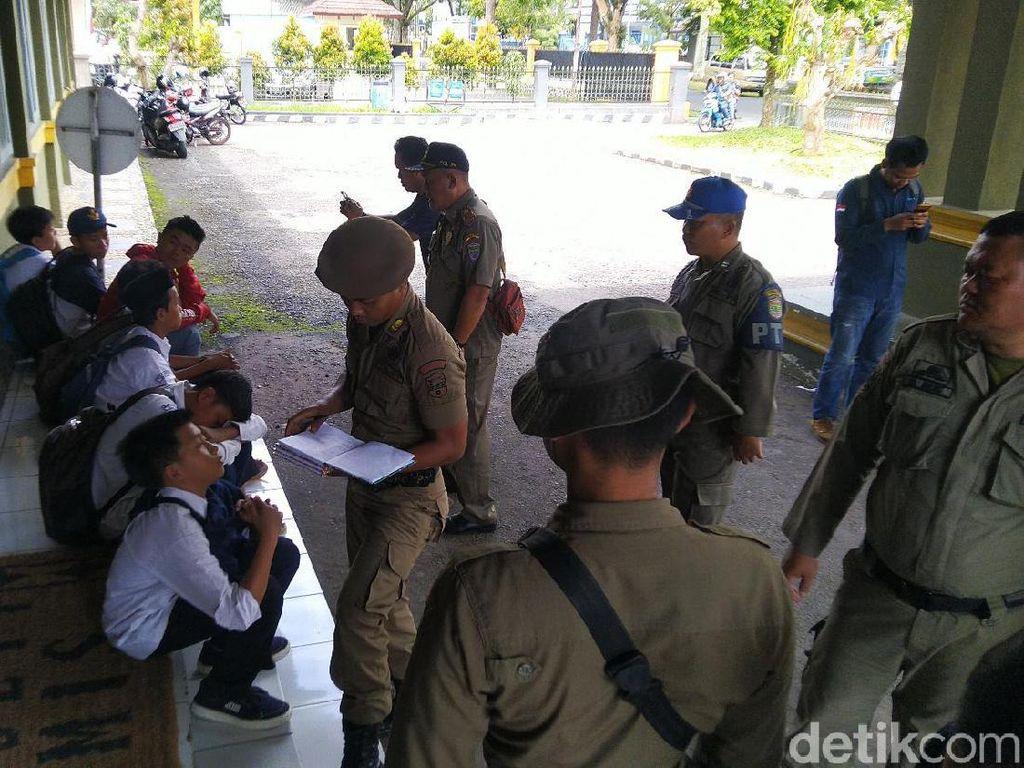 Modus Pelajar SMP-SMA di Ciamis Bolos: Tak Ada Guru hingga PKL