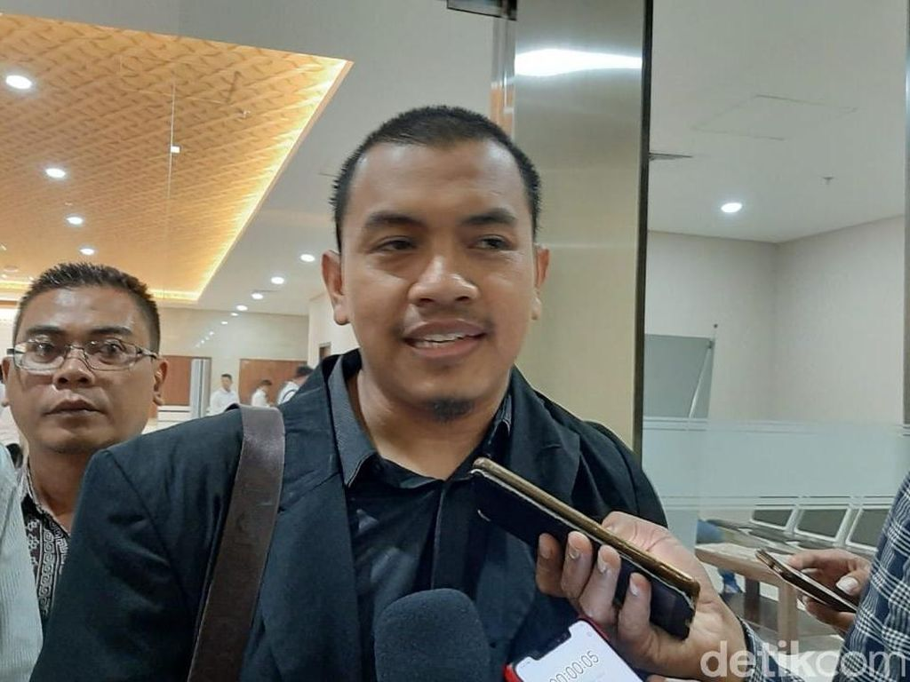 Laporan FPI Terkait Pernyataan Ade Armando FPI Preman Ditolak Bareskrim