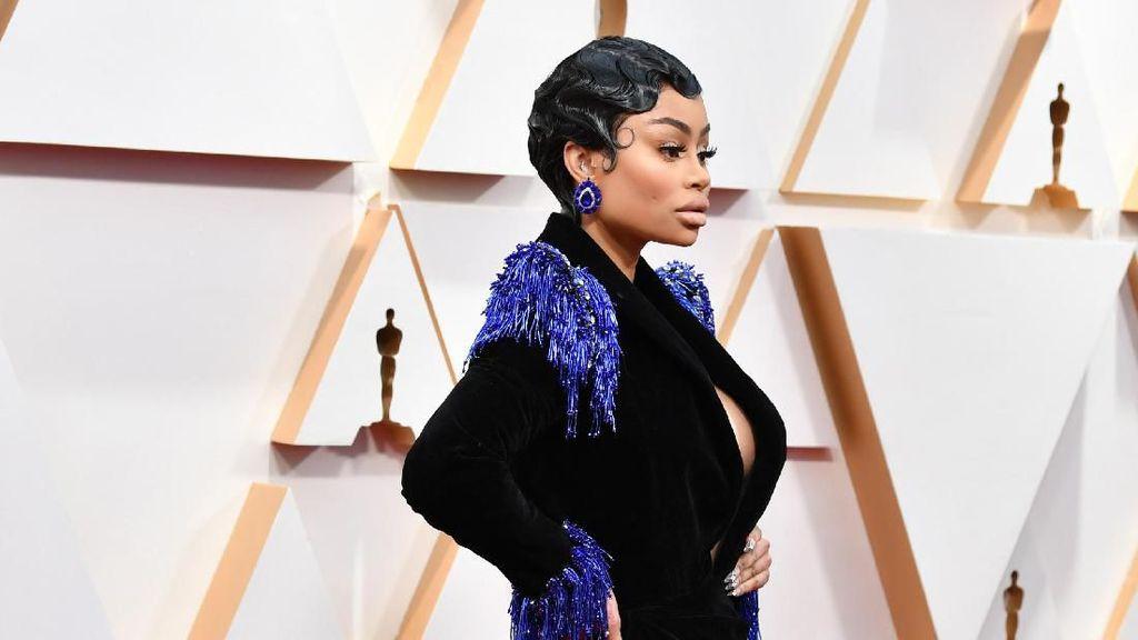 10 Artis Busana Terburuk Oscar 2020, Terlalu Seksi Hingga Mirip Ulat Bulu