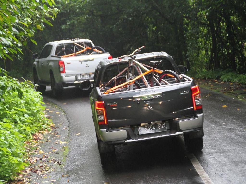 Naik-Turun Kaki Gunung Rinjani Bersama Mitsubishi Triton