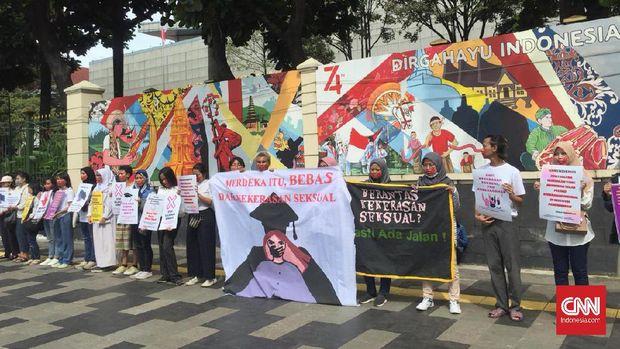 Perempuan Demo Kemendikbud soal Kekerasan Seksual di Kampus