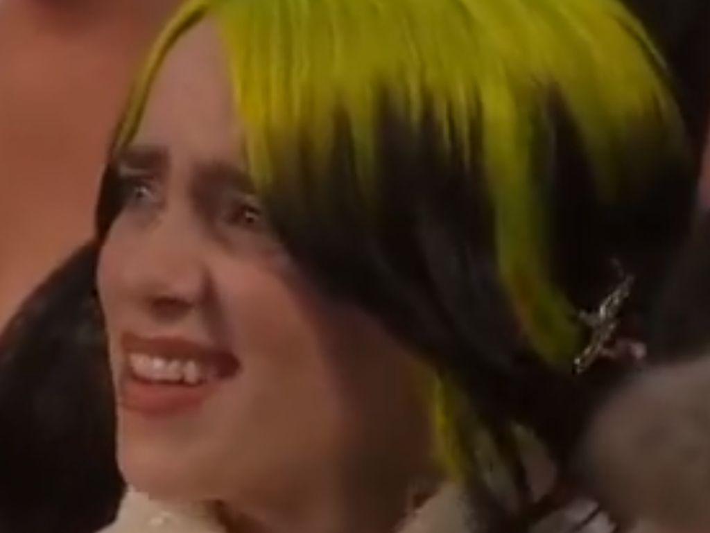 Reaksi Bingung Billie Eilish di Oscar 2020 Jadi Sorotan
