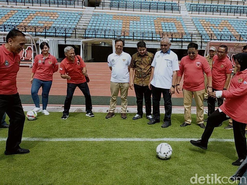 Risma Ternyata Jago Ngoper Bola, Iwan Bule Jadi Saksinya