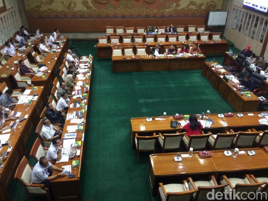 Nasabah dan Karyawan Korban Koperasi Indosurya Mengadu ke DPR