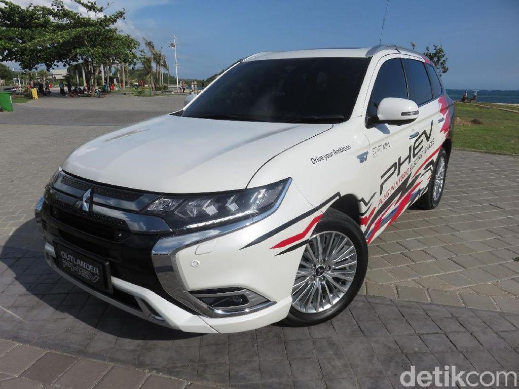 Mobil Miliaran Outlander PHEV Terjual 27 Unit di RI, Minat Impor dari Thailand?