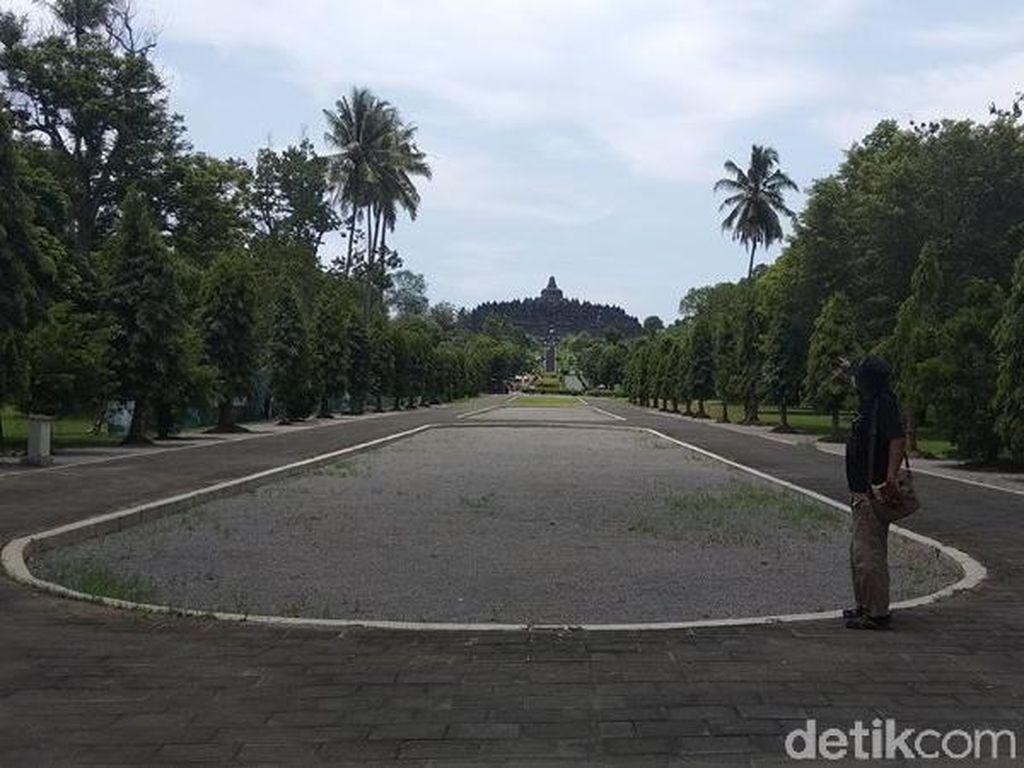 Cegah Keausan, Tangga Candi Borobudur Akan Dilapisi Kayu Jati