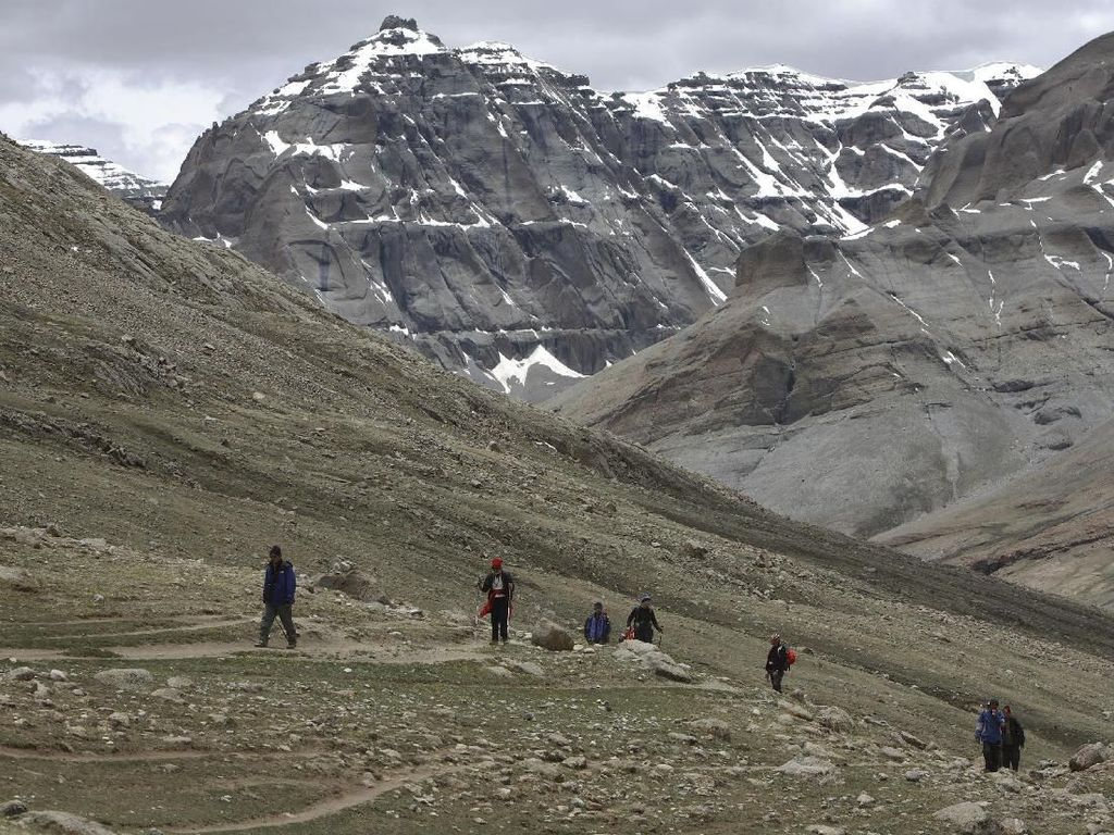 Penampakan Gunung Terakhir yang Tak Pernah Disentuh Manusia