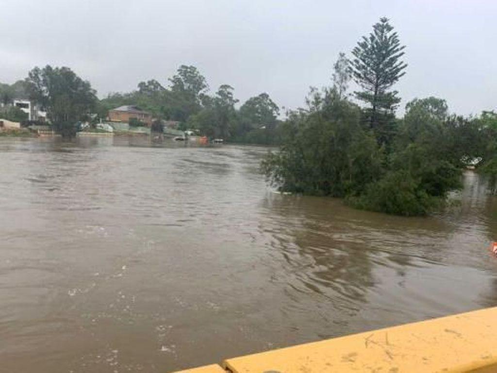 Sekolah Libur dan Bendungan Hampir Penuh, NSW Direndam Banjir