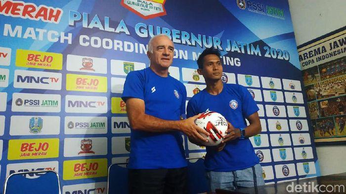 Pelatih Arema FC Roberto Carlos Mario Gomez.
