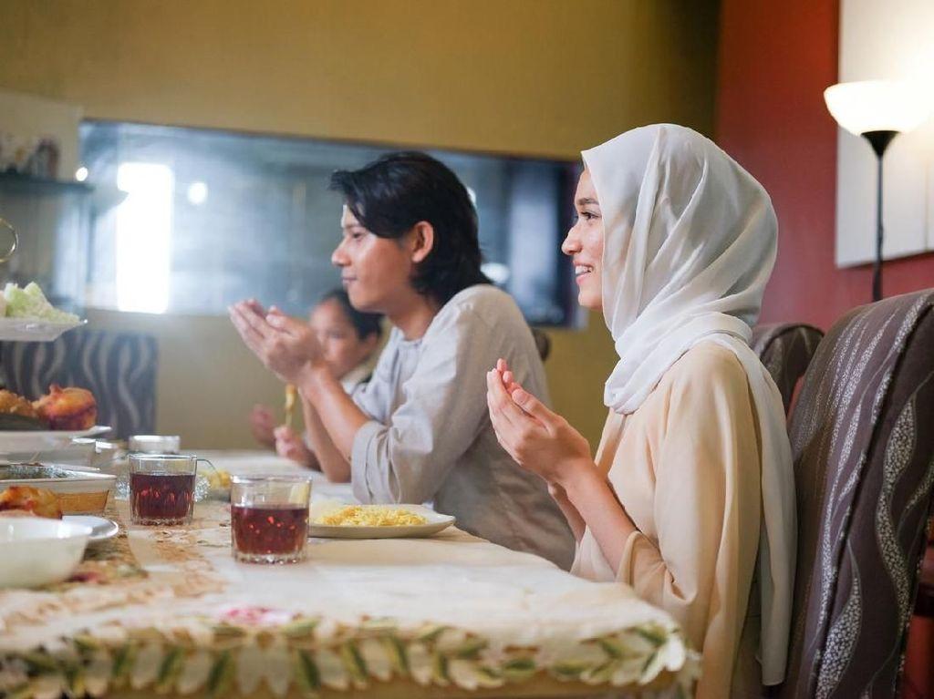 Doa Buka Puasa Ramadhan dan Adab Saat Berbuka